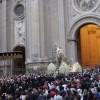 Miles de personas acompañan a la Virgen de las Angustias en Rosario de la Aurora