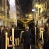 El traslado de San Agustín abre el curso cofrade con decenas de cofrades en las calles