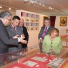 La exposición 'Resplandores' muestra la devoción centenaria a la patrona de Granada