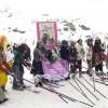 GALERÍA: Sierra Nevada abre su primavera con la Bajada Retro, un evento contra el cáncer de mama