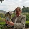 Ian Gibson presenta aquí su nueva guía sobre Granada y Lorca y opina sobre el centro de La Romanilla