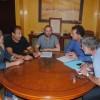 Aguasvira y Stop Desahucios estudian medidas para garantizar elservicio básico del agua