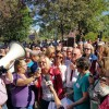 AUDIO: Amarga protesta de emigrantes retornados ante Hacienda